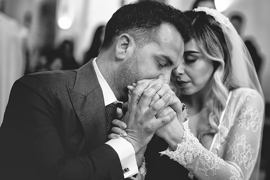 087 EMOTIONAL WEDDING